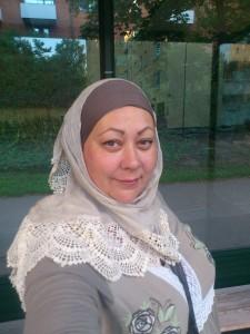 Jag med hijab under kampanjen 2014 för att stötta kvinnor med hijab som blir utsatta för trakasserier. Foto: Fatou Touray