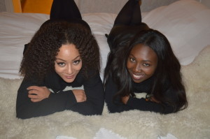 Mini formation in my bed Binta och Fatou Foto: Fatou Touray