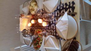 Gärna goda middagar. Hemma eller på restaurang. Foto: Fatou Touray ©